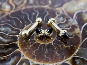 bijouterie de piercing téton couronne onyx
